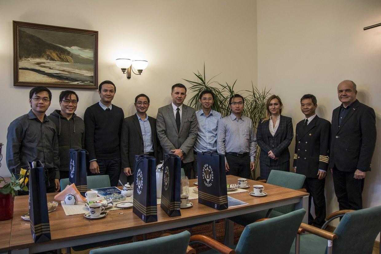 Wizyta gości z Vietnam Maritime University