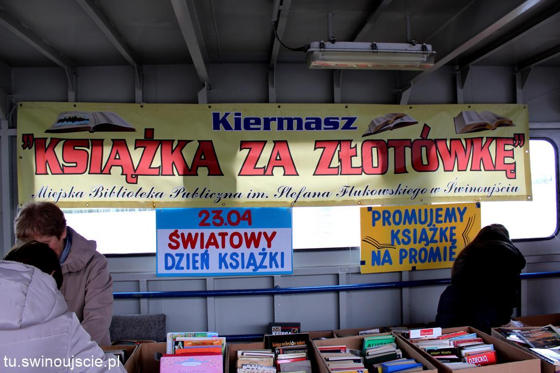 Kiermasz Książki na promie Bielik I (dzisiaj)