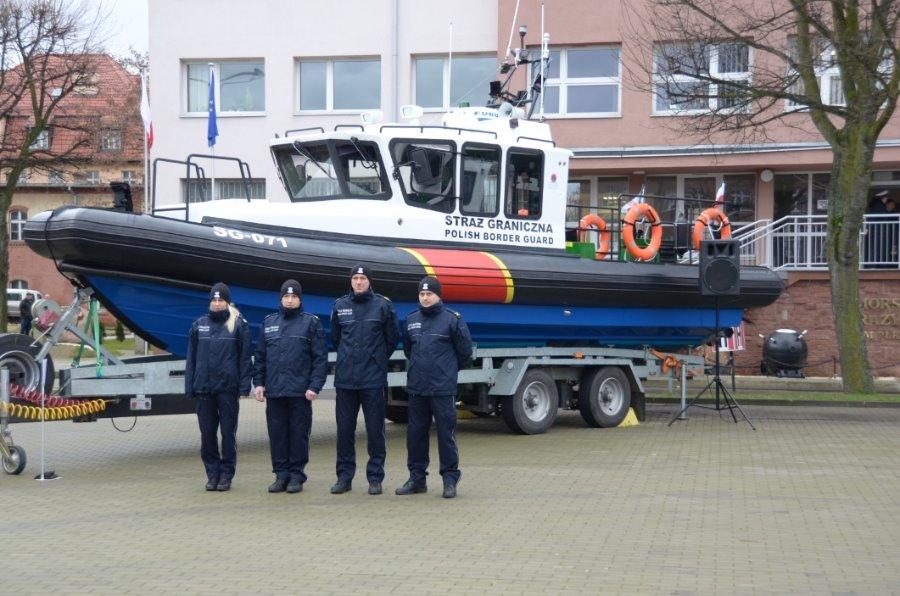 Nowe jednostki pływające i autokar w Morskim Oddziale SG