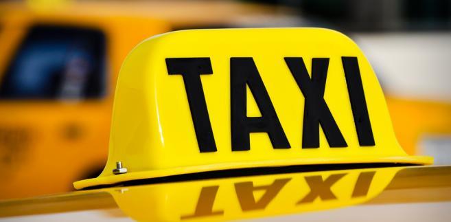 Czujny taksówkarz zaopiekował się dzieckiem