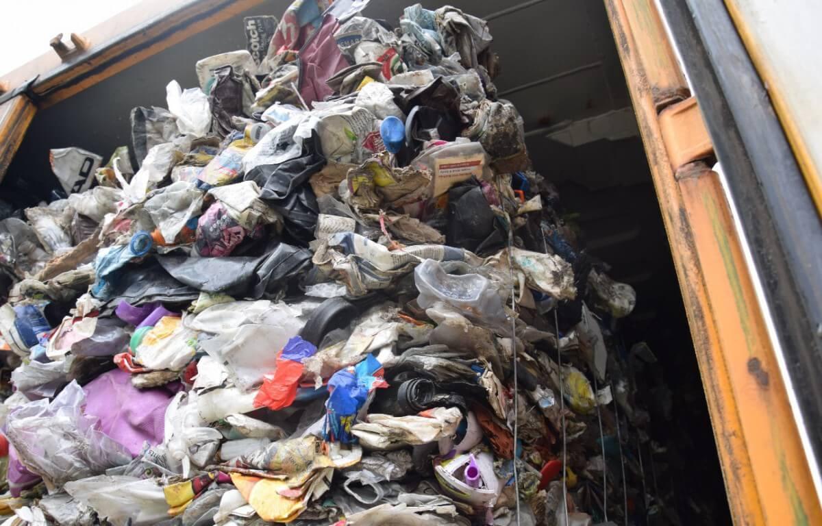 Ponad 1000 t śmieci z Wielkiej Brytanii trafiło do Polski przez porty w Gdańsku i w Gdyni (foto)