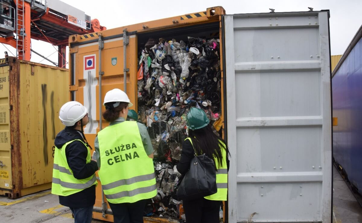 Ponad 1 000 t śmieci z Wielkiej Brytanii trafiło do Polski
