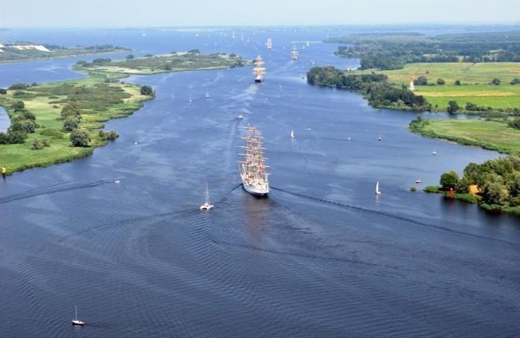 Prace przy modernizacji toru wodnego Świnoujście-Szczecin