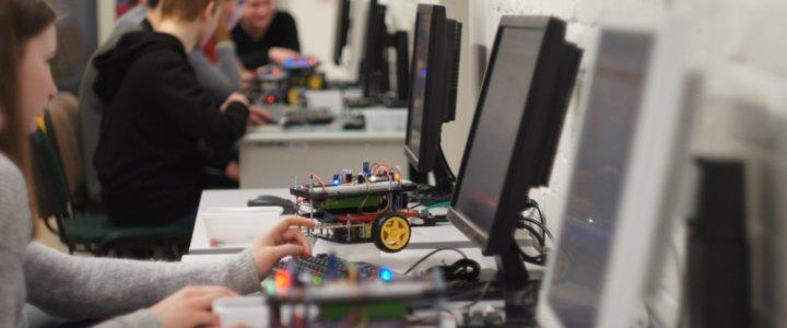 Wydział Informatyki Zachodniopomorskiego Uniwersytetu Technologicznego w Szczecinie doceniony przez Polską Komisję Akredytacyjną.