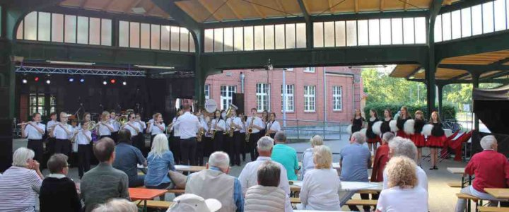 Świnoujście. Jazz na polsko-niemieckiej wyspie Uznam 22. Festiwal Jazzu na dworcu w Heringsdorfie.