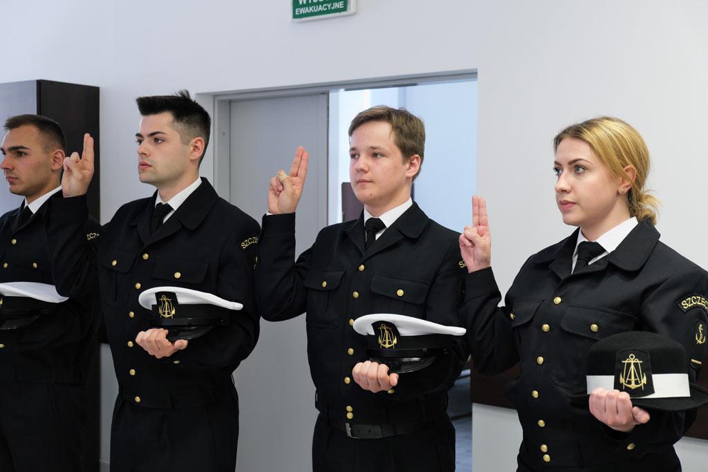 Studenci Koła Ligi Morskiej i Rzecznej Akademii Morskiej w Szczecinie ślubowali
