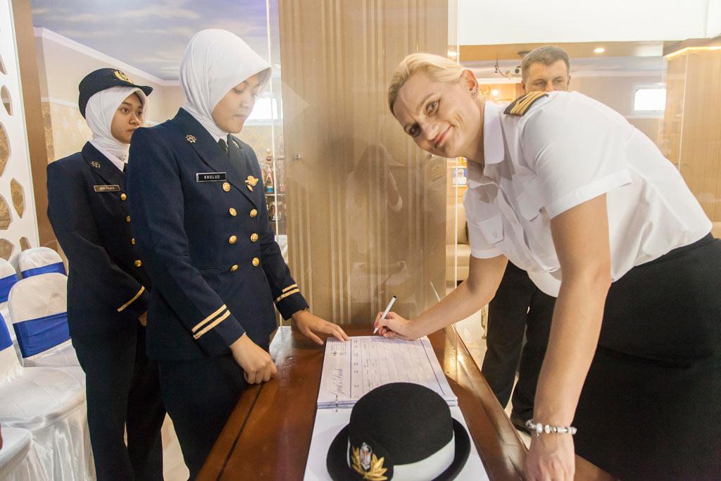Memorandum o współpracy z Jakartą na pokładzie Daru Młodzieży (fotogaleria)