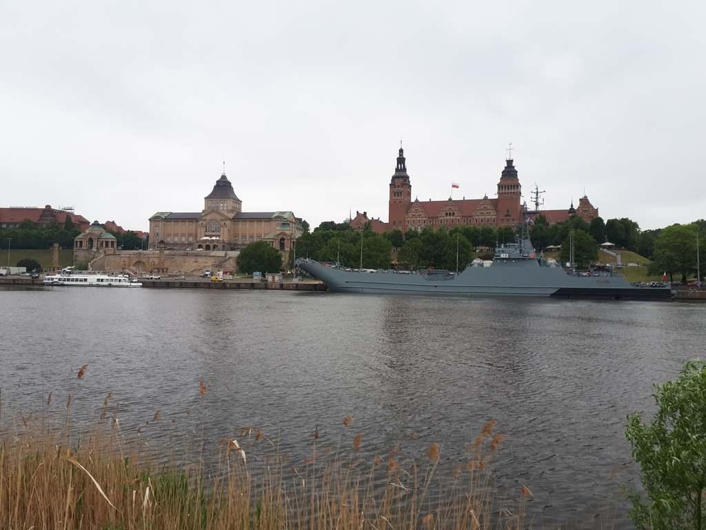 Okręt wojenny zacumował w Szczecinie
