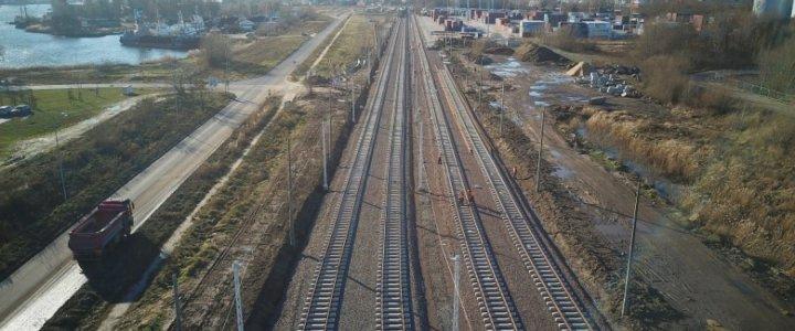 Świnoujście, Szczecin. Portowe szlaki kolejowe zmieniają się na lepsze.