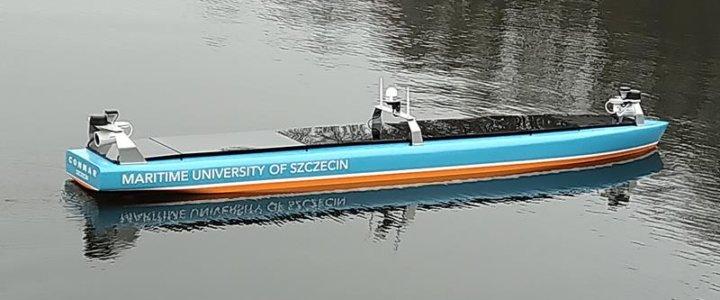 Akademia Morska w Szczecinie. Model statku autonomicznego na wodzie - testy systemów.