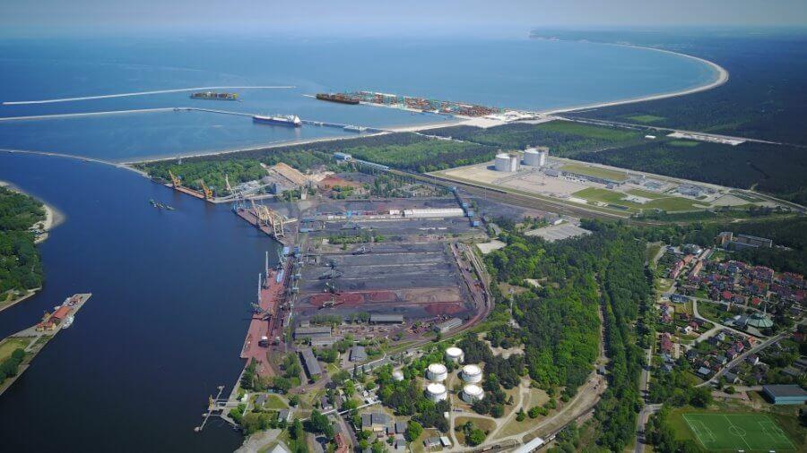 Świnoujście. Transport intermodalny jedną z podstaw koncepcji terminalu kontenerowego.