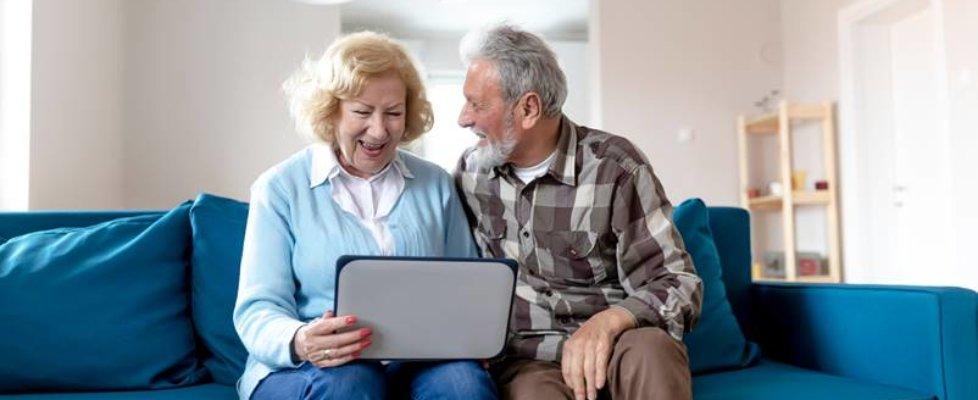 Pomagamy seniorom - skorzystaj z profilu zaufanego 80+.