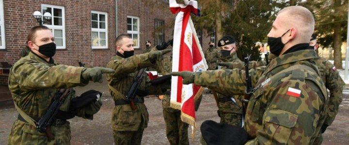 Przysięga wojskowa w Dziwnowie.