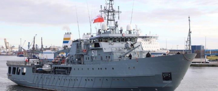 """Świnoujście. Powrót ORP """"Kontradmirał X. Czernicki""""."""