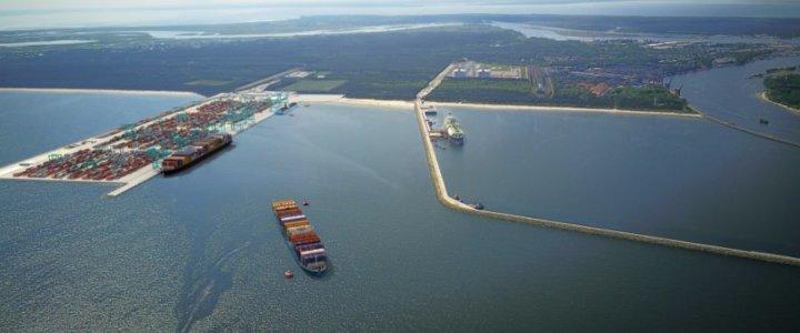 Świnoujście. Terminal kontenerowy szansą rozwoju portu i miasta.