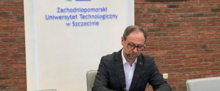 Zachodniopomorski Uniwersytet Technologiczny w Szczecinie wdraża informatyczny system zarządzania uczelnią.