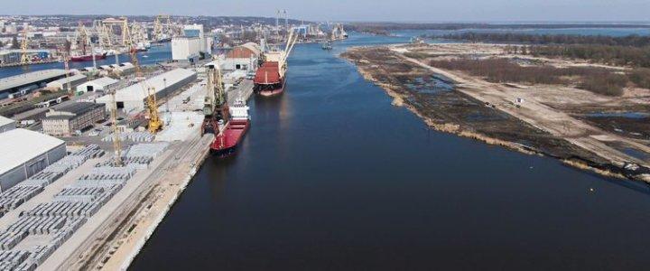Port Szczecin obciążenia na nabrzeżu Czeskim rozpoczęte.