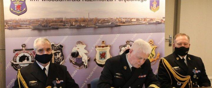 Świnoujście. Przekazanie obowiązków dowódcy 8. Flotylli Obrony Wybrzeża.