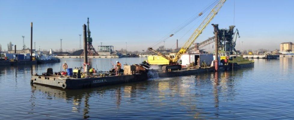 Port Szczecin – trwa przebudowa nabrzeży w Basenie Kaszubskim.