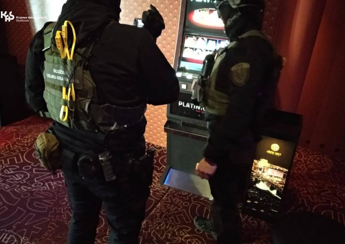 Gryfice. Kolejne nielegalne automaty wyeliminowane z rynku nielegalnych gier hazardowych.