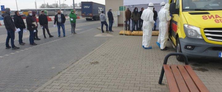 Na terminalu promowym w Świnoujściu można zrobić test na koronawirusa.