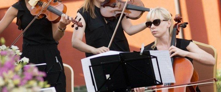 10 koncertów na X-lecie GRYFICKIEGO LATA MUZYCZNEGO - WOMEN STRING TRIO (trio smyczkowe).