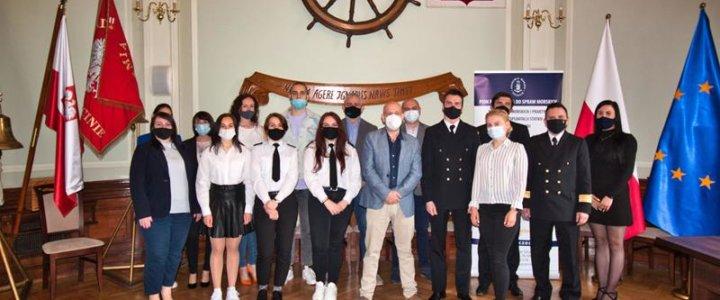 Biuro Karier Akademii Morskiej w Szczecinie nagrodziło studentów - pierwszy raz za filmy.