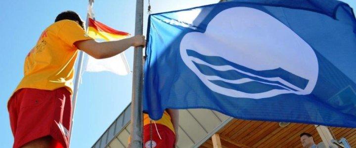 Świnoujście. Błękitna flaga znów nad kąpieliskami i mariną.