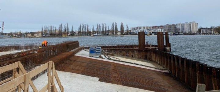 W Świnoujściu na terminalu promowym pojawiły się kolejne elementy modernizowanego nabrzeża maj 2021.