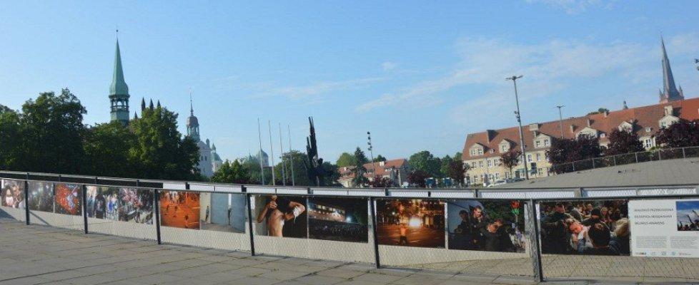 """Muzeum Narodowe w Szczecinie. """"Białoruś przebudzona"""" na placu Solidarności."""