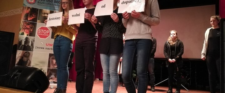 Młodzież o uzależnieniach podczas Przeglądu Form Artystycznych w Świnoujściu