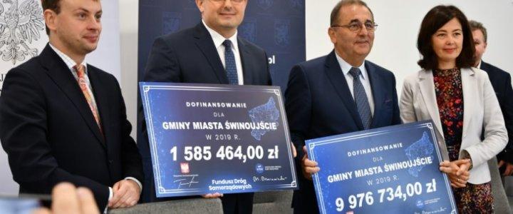 Świnoujście. Ponad 11,5 mln złotych na drogi. Dzisiaj podpisano umowę.