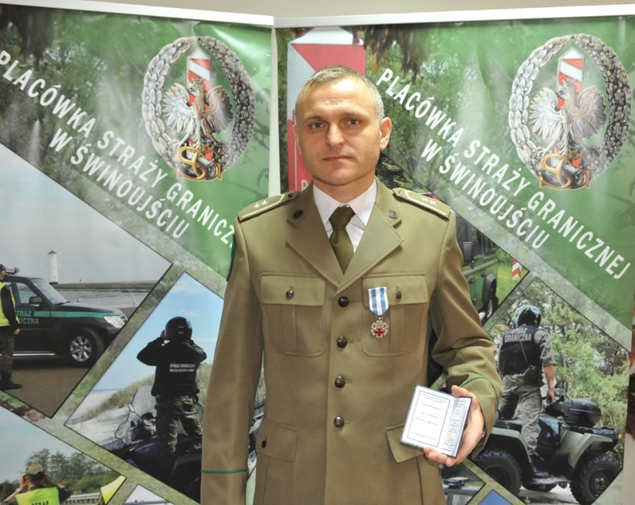 Świnoujście. Zasłużony funkcjonariusz uhonorowany odznaką