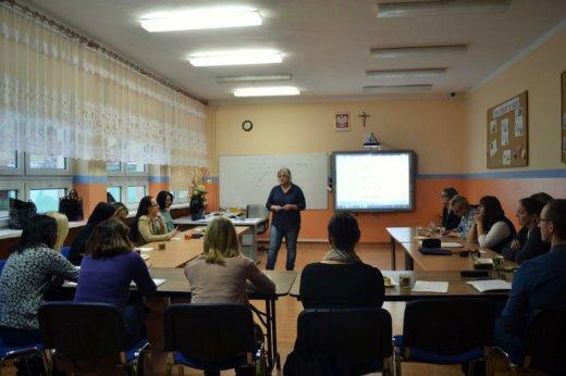 """7 grudnia w Szkole Podstawowej nr 2 w Świnoujściu odbyła się II Konferencja z cyklu: """"Czy przestaniemy pisać odręcznie? Rozważania nad przyczyną trudności w pisaniu."""""""