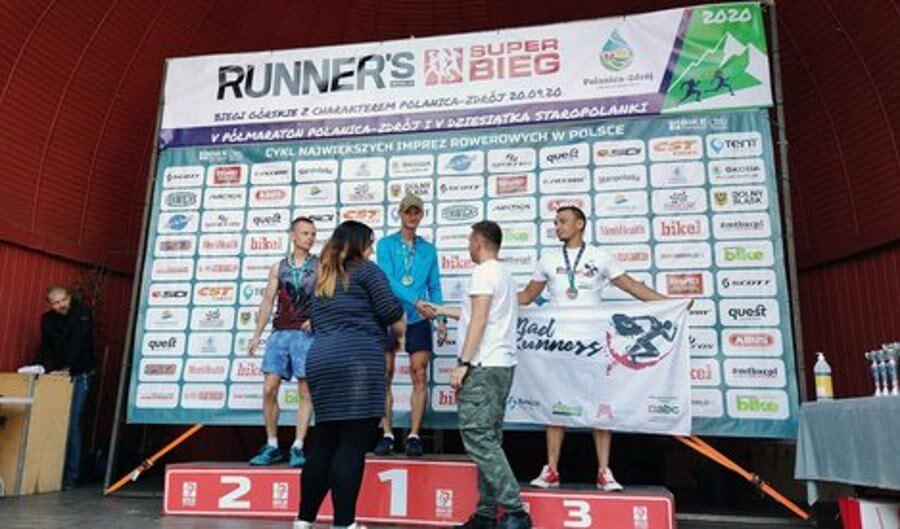 Świnoujście. Reprezentanci 8.FOW w biegu górskim Runner`s World Super Bieg