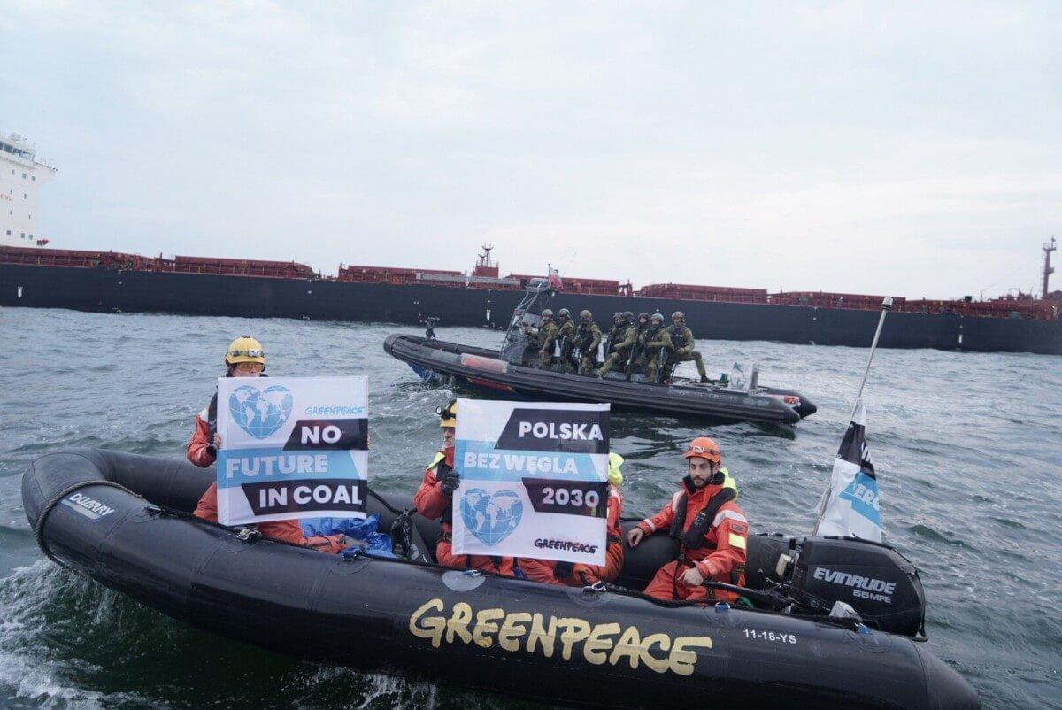 Interwencja straży granicznej na statku Greenpeace w Porcie Gdańsk (wideo)