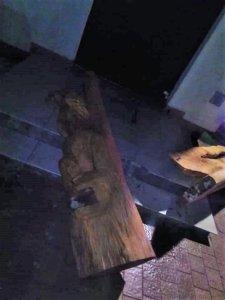 Świnoujście. Zniszczyli nową ławkę. Wandali nagrała kamera
