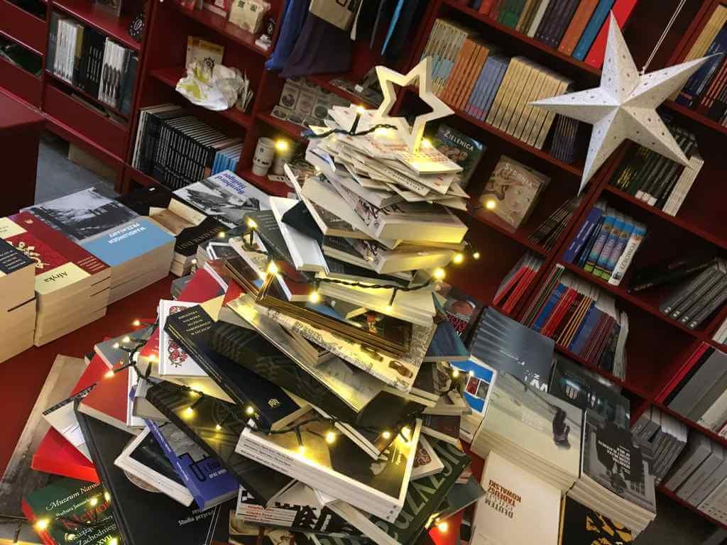 Świąteczny Kiermasz Książek