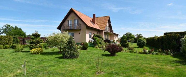 Świnoujście. Dwurodzinny dom otoczony zielenią