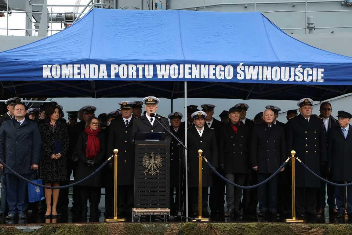 Świnoujście. Komandor Piotr Nieć dowódcą 8. Flotylli Obrony Wybrzeża (fotogaleria)