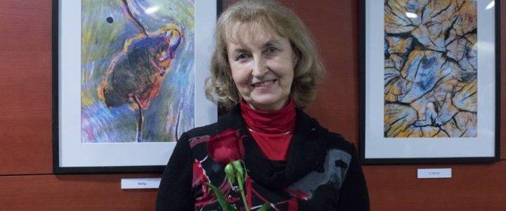 Świnoujście. Miejska Biblioteka Publiczna zaprasza na otwarcie wystawy fotografii Pani Jadwigi Sikorskiej.