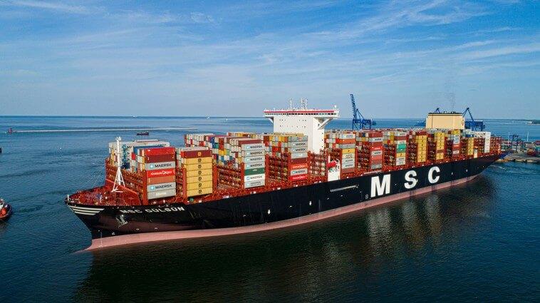 Największy na świecie kontenerowiec MSC Gülsün przypłynął do DCT Gdańsk. Robi wrażenie (foto, wideo)