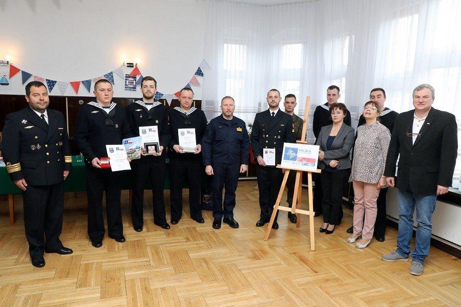 """Świnoujście. Konkurs czytelniczy """"20 lat Polski w NATO"""" (fot.)"""