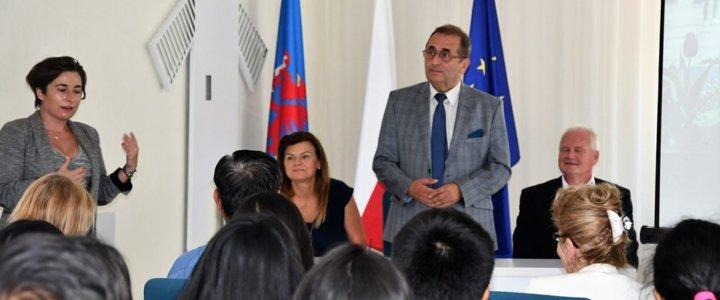 Świnoujście. Spotkanie Prezydenta Janusza Żmurkiewicza ze studentami z Indii