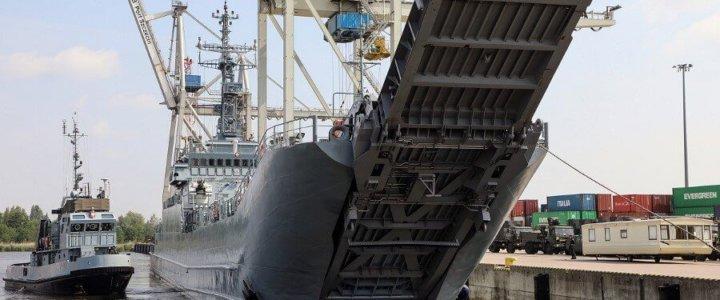 Transport techniki wojskowej na ćwiczenie Capable Logistician 2019.
