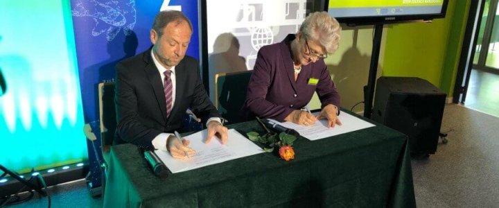 Zachodniopomorski Uniwersytet Technologiczny. Podpisanie umowy z Technikum Technologii Cyfrowych w Szczecinie.