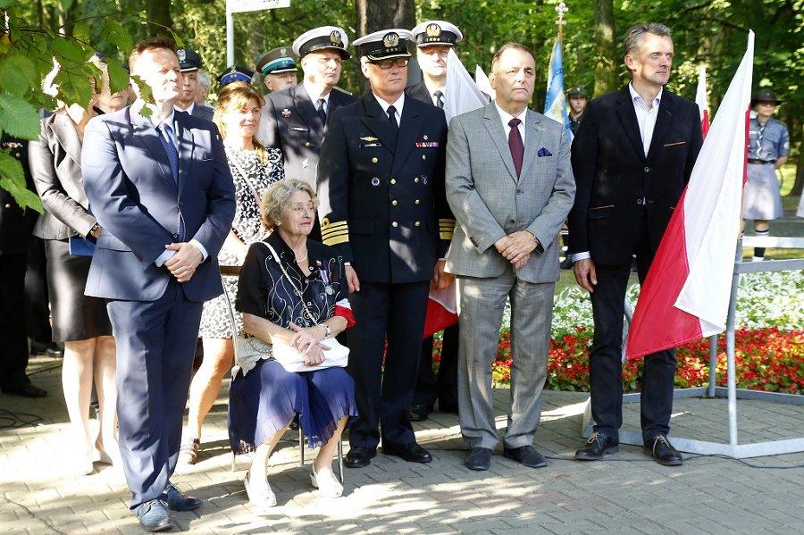W hołdzie uczestnikom Powstania Warszawskiego