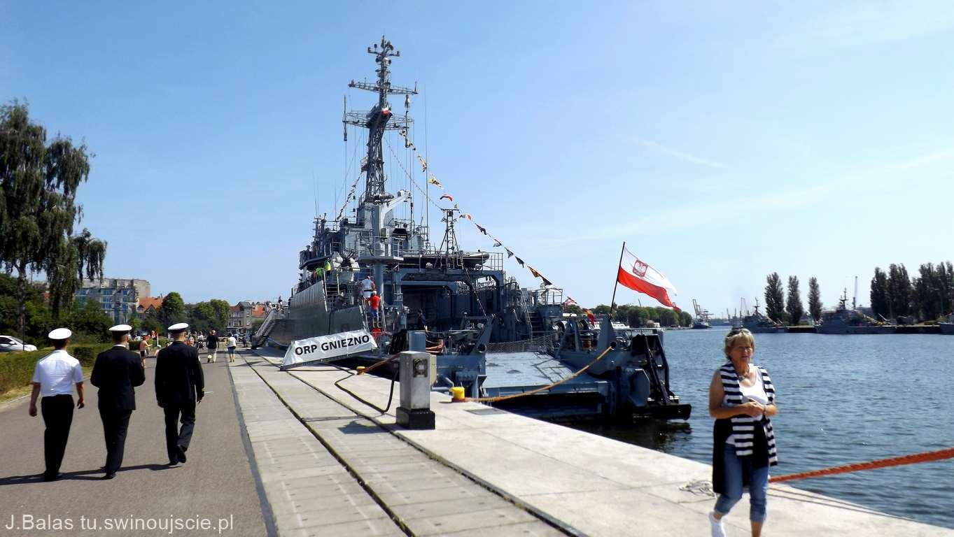 Obchody 100 rocznicy utworzenia Marynarki Wojennej oraz święta 8.FOW