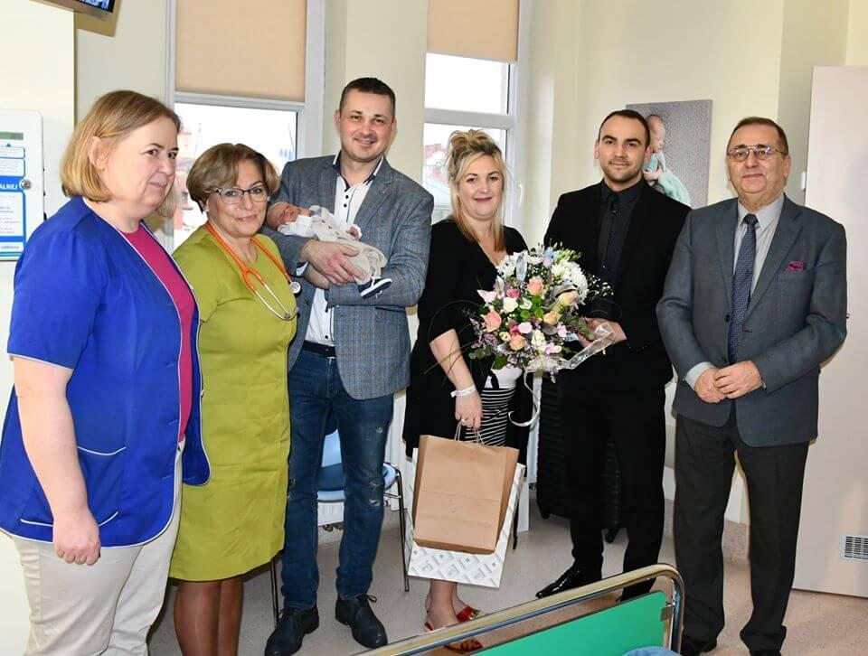 Prezydent Świnoujścia Janusz Żmurkiewicz. Mam wielką przyjemność przedstawić Państwu pierwsze maluszki.