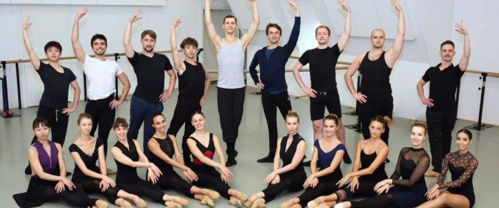 Tancerki Opery na Zamku w Szczecinie o swojej miłości w Międzynarodowy Dzień Tańca.